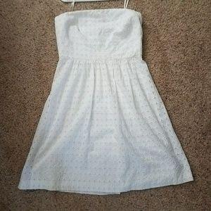BANANA REPUBLIC SZ 10 WHITE EYELET STRAPLESS DRESS